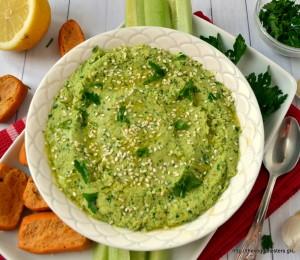 Χούμους με γεύση πέστο μαιντανού- Parsley pesto hummus