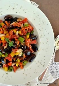 Μαύροι γίγαντες σε μια πολύχρωμη σαλάτα – Colorful black lima bean salad