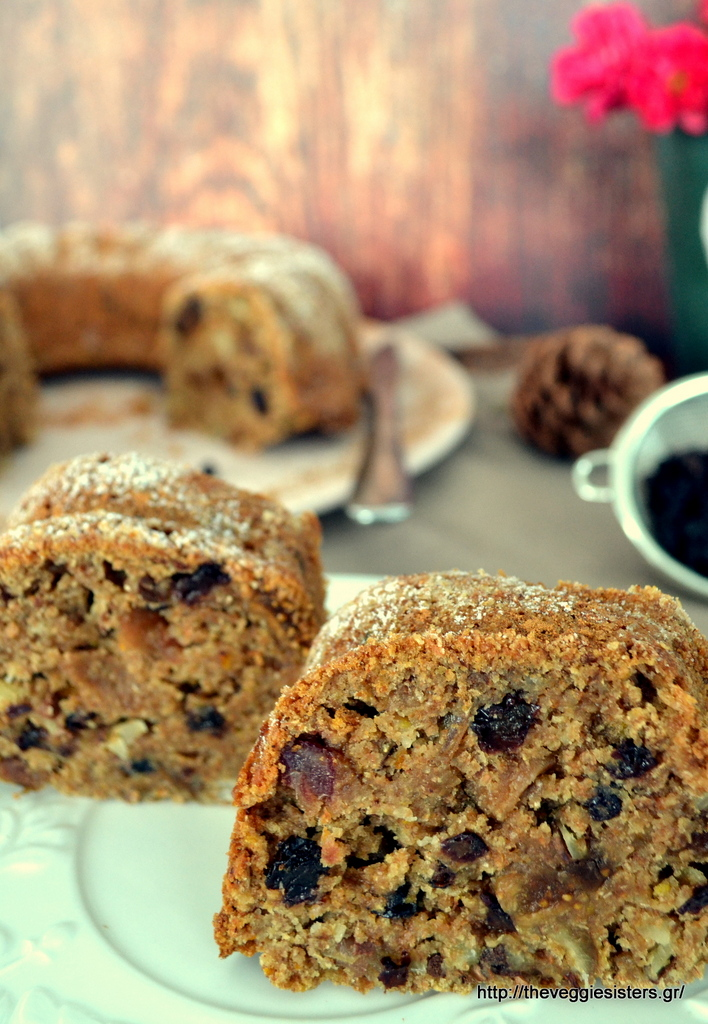 Πλούσιο κέικ με ξερά φρούτα κ αμύγδαλα – Dried fruit almond cake