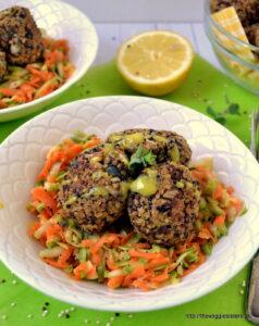 Κεφτεδάκια με κινόα κ πορτσίνι – Porcini quinoa balls