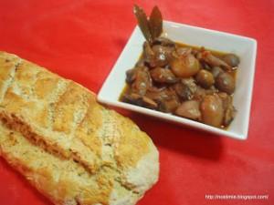 Μανιταράκια στιφάδο - Mushroom stifado