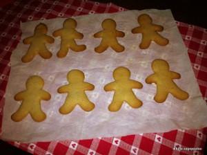 gingerbread people!! το χριστουγεννιάτικο μπισκοτάκι!!