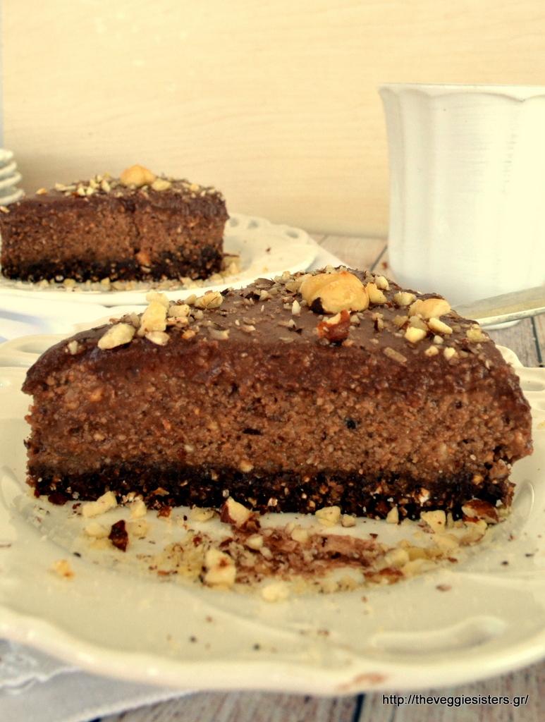Απίθανη vegan σοκολατένια τούρτα