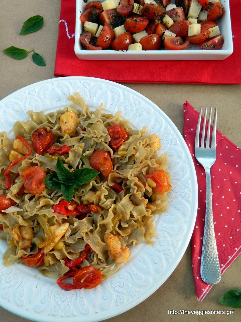ταλιατέλες λεντινούλας με πιπεριές και ντοματίνια