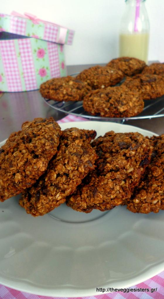 Υπέροχα, υγιεινά μπισκότα βρώμης με σοκολάτα