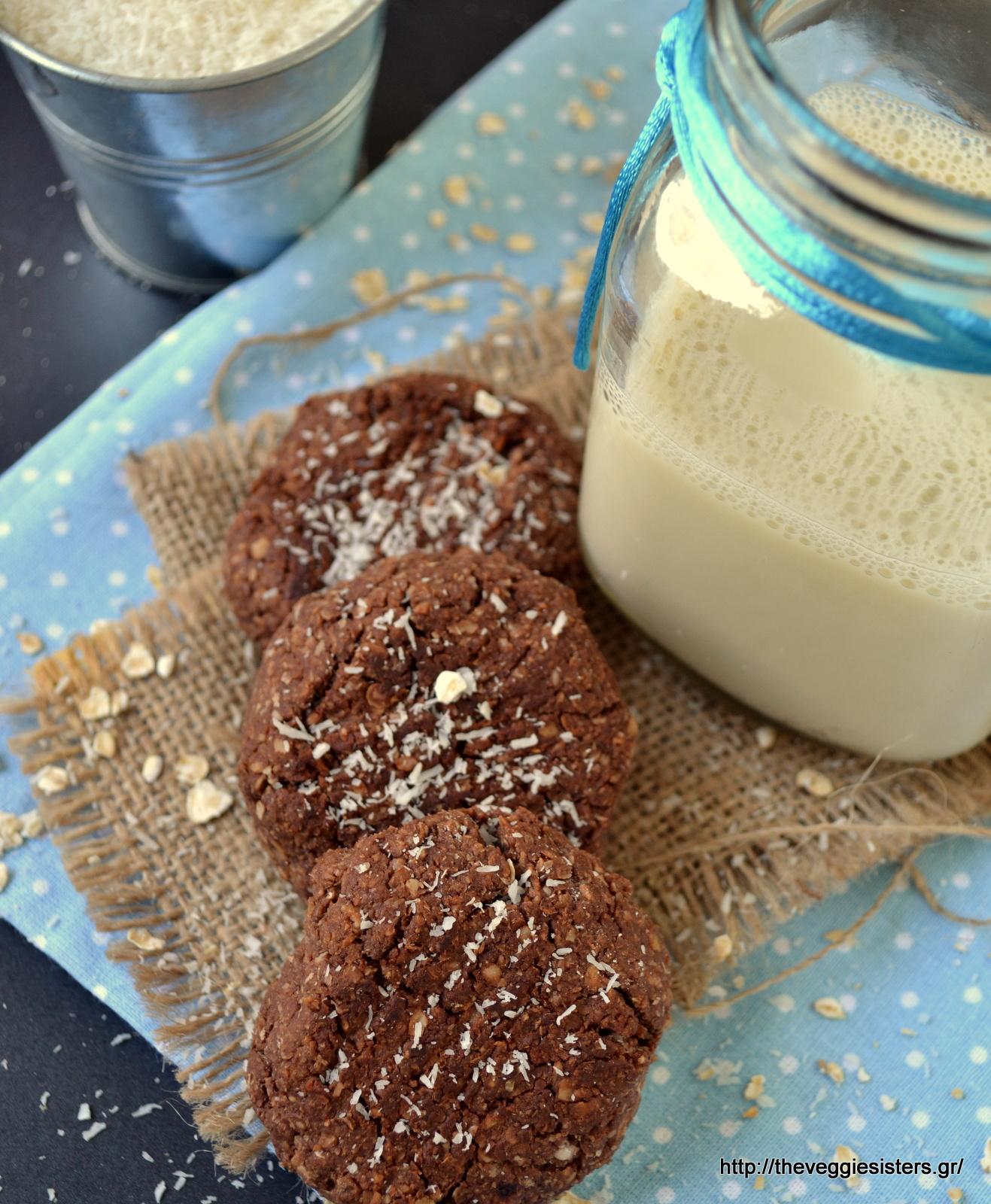 Μπισκότα με σοκολατένιο ταχίνι, βρώμη κ καρύδα