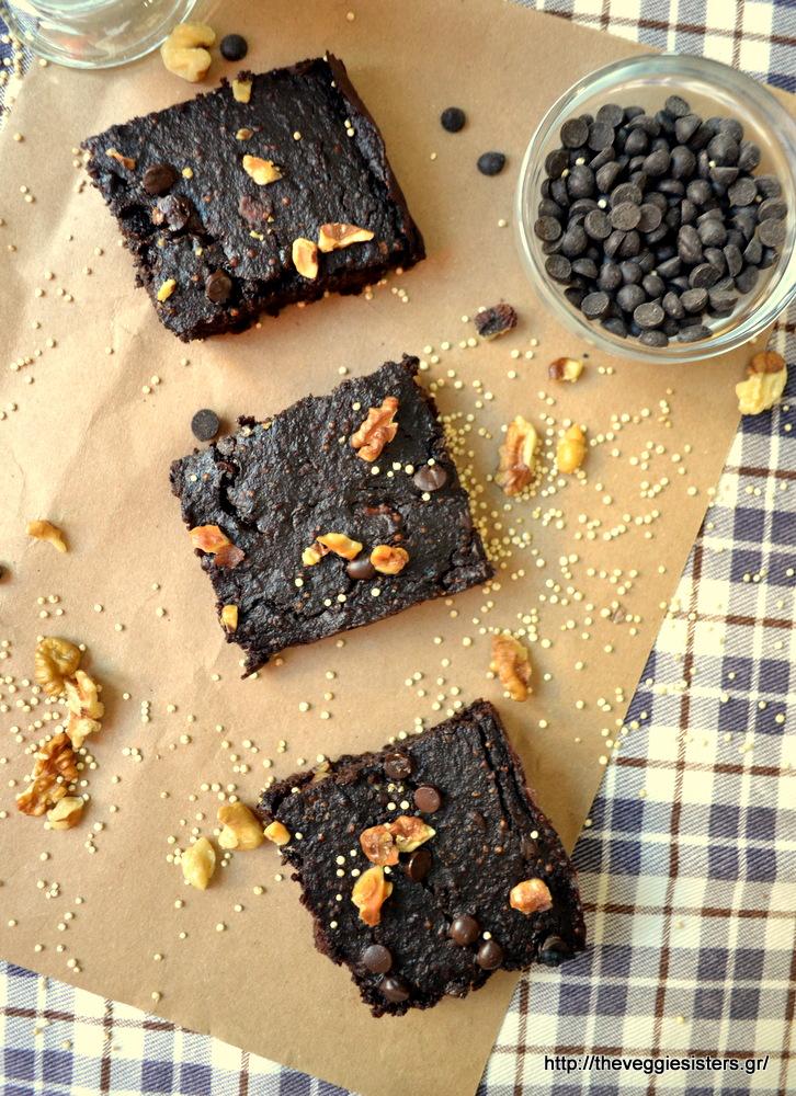 Σοκολατένιο μπράουνις με κινόα - Chocolate quinoa brownies