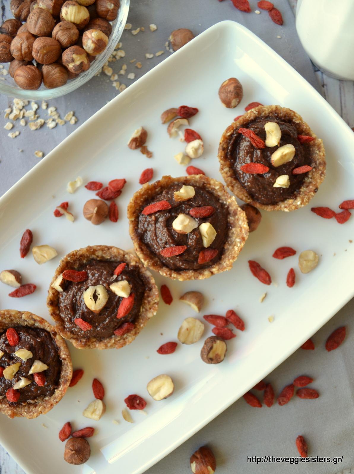 Υγιεινά σοκολατένια ταρτάκια με νουτέλα χωρίς ψήσιμο - No bake healthy nutella mini tarts