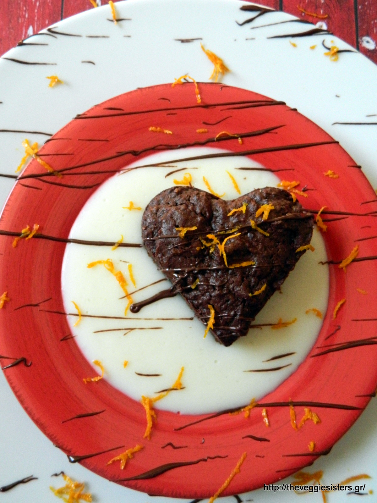 Vegan σοκολατένια καρδιά μπράουνις με πορτοκαλένια κρέμα - Vegan chocolate brownies heart with orange cream