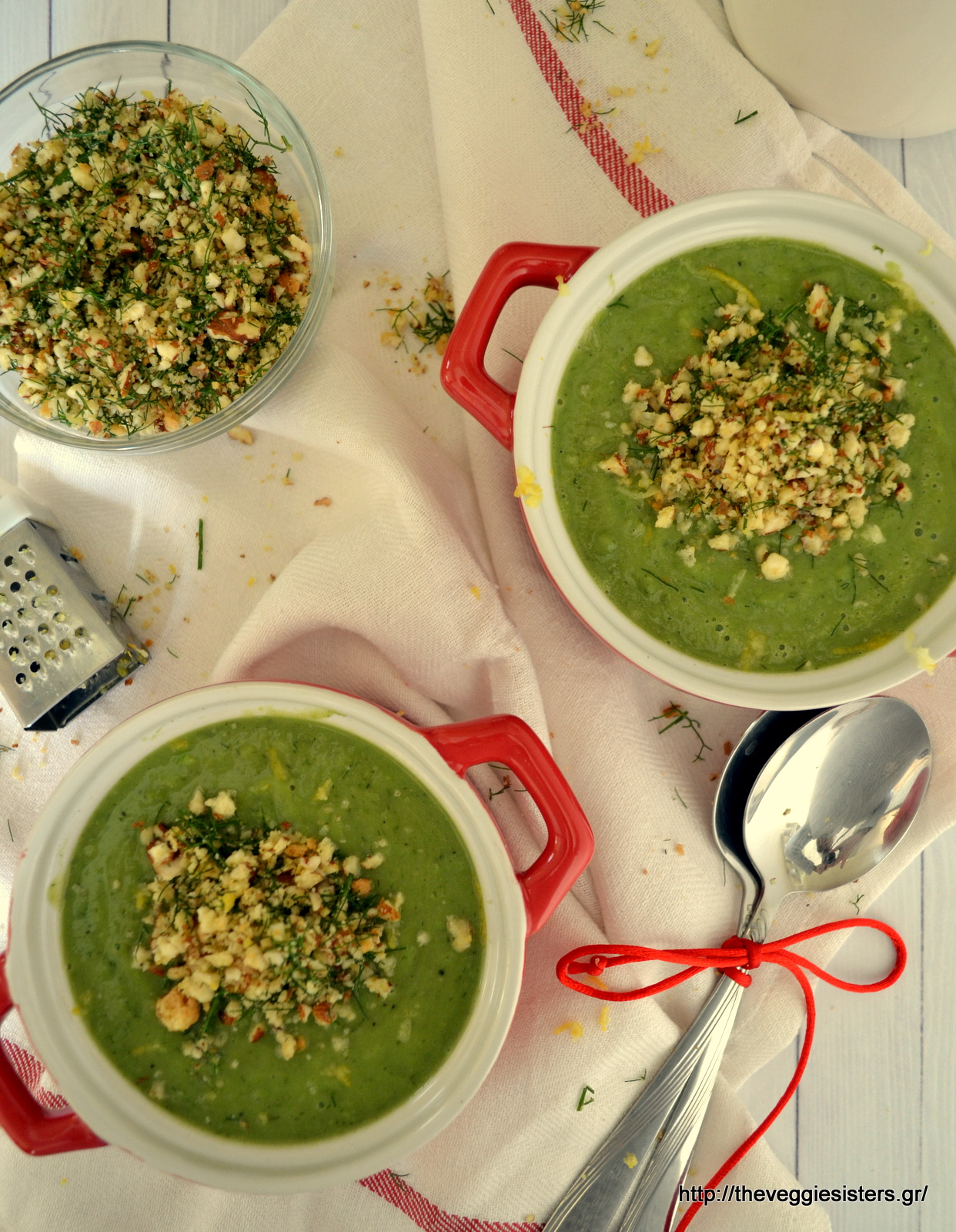 Creamy pea soup with almond crumbs