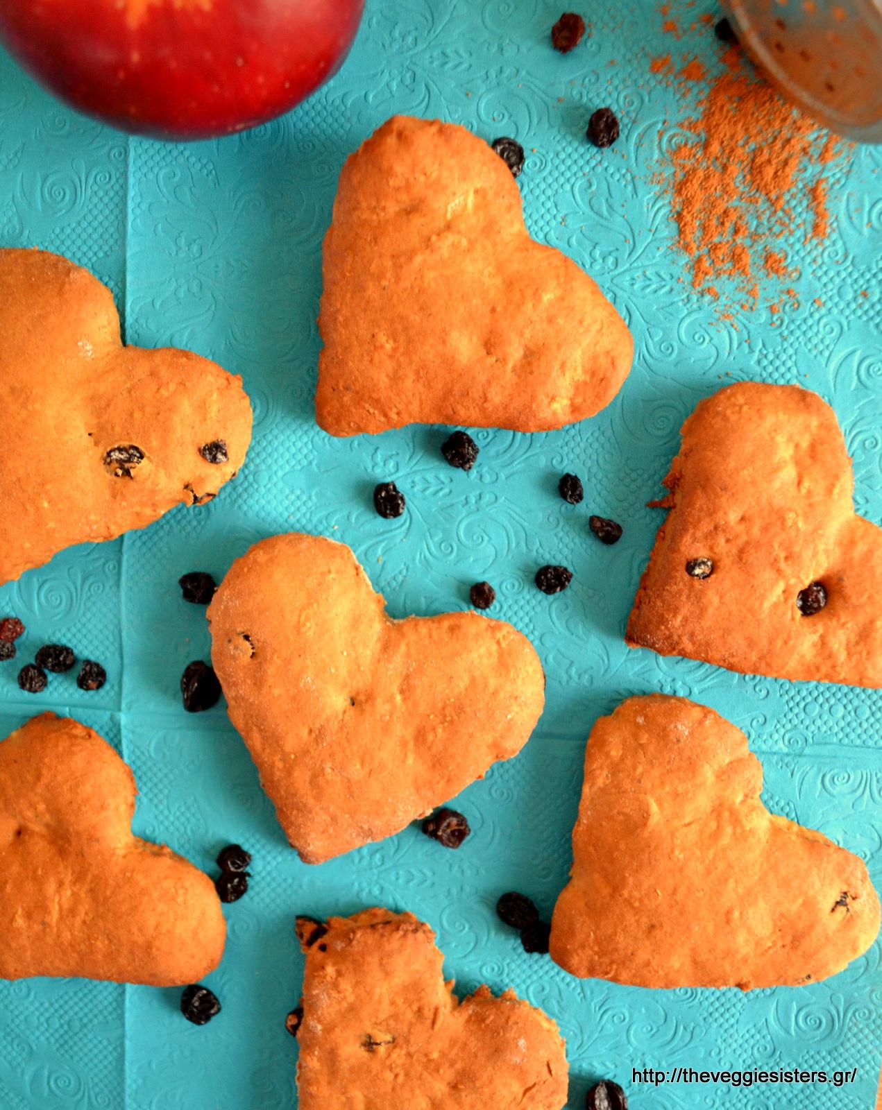 Μπισκότα κανέλας με σταφίδες